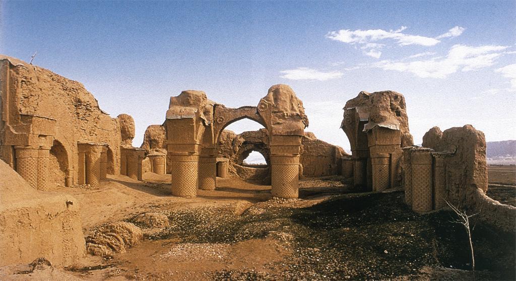 Afghanistan, ruins of Balkh.jpg