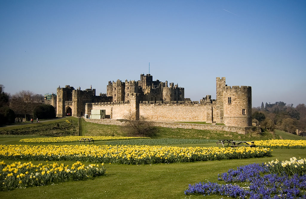 Alnwick_Castle_02.jpg