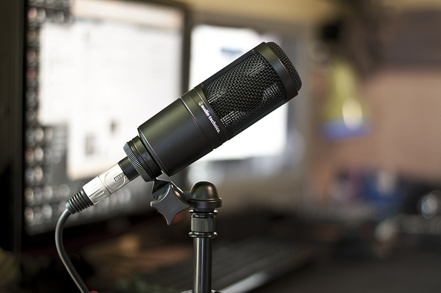 Audio-Technica-AT2020-USB-Podcasting-Mic.jpg