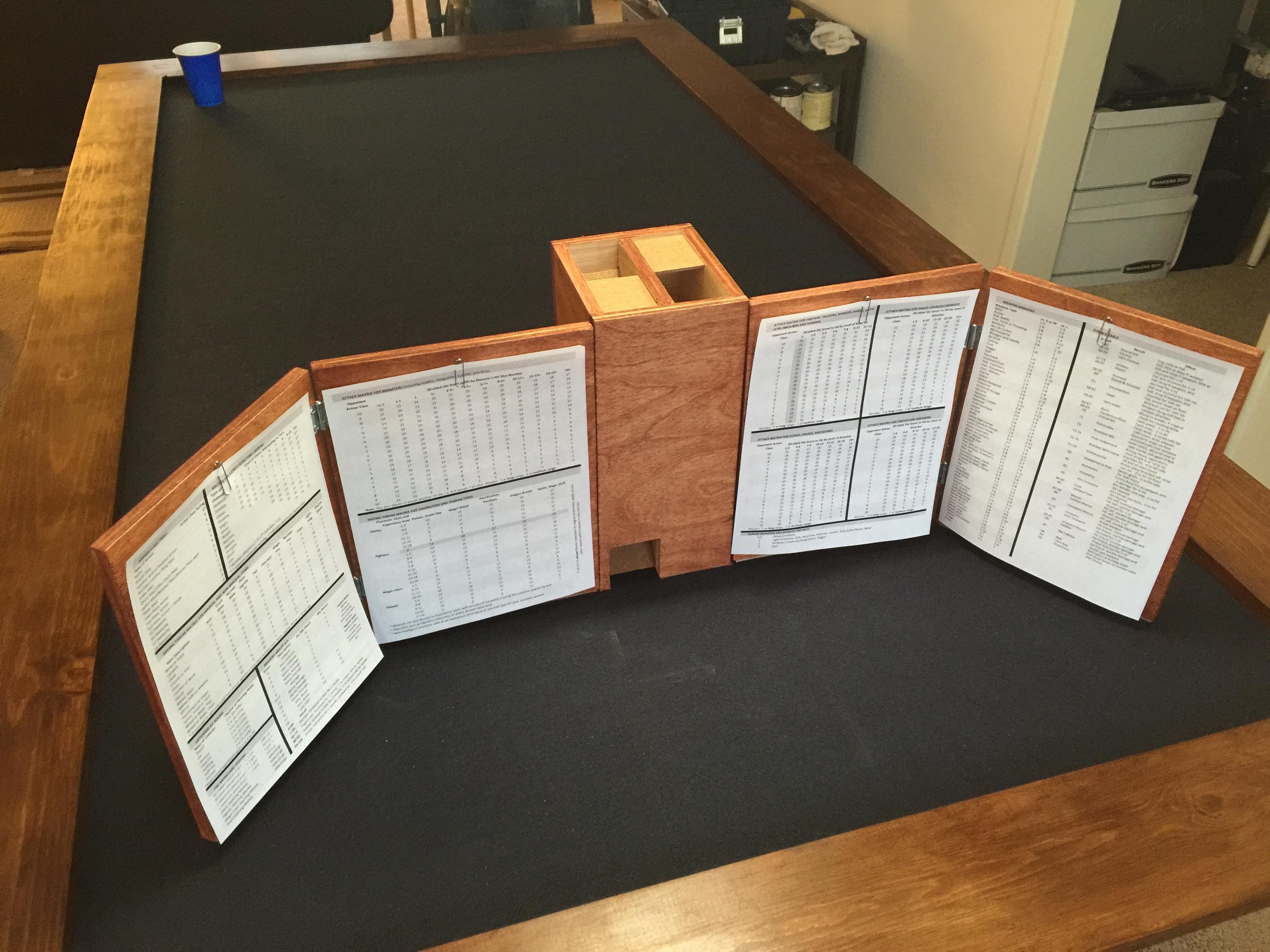 Wooden DM Screen & Dice Tower